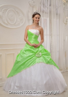 Pretty Ball Gown Strapless Beading Quinceanera Dresses in Spring Green