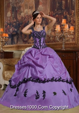 Elegant Straps Black Appliques for Purple Quincenera Dresses