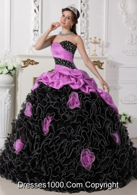 Pink and Black Sweetheart Organza Quinceanera Dresses with Beading and Rolling Flowers