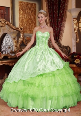 Sweetheart Oragnza Quinceanera Gowns with Embroidery and Layers