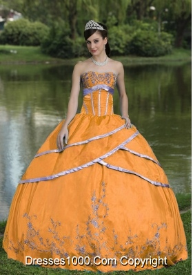 Pretty Orange Puffy Quinceanera Gowns with Embroidery