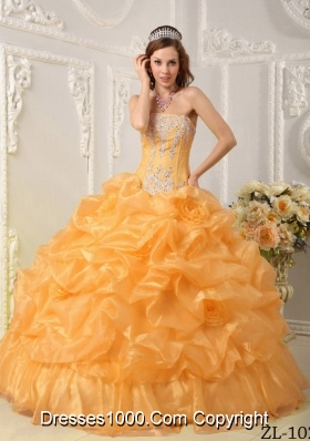 Puffy Pick-ups Strapless Organza Appliques and Beading Quinceanera Dresses