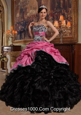 Pick-ups Organza Ruffles Pink and Black Quinceanera Dresses
