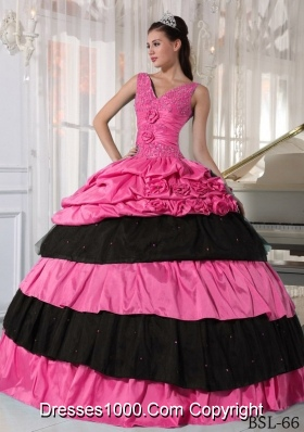 V-neck Pink and Black Quinceanera Gowns Dresses with Pick-ups and Beading