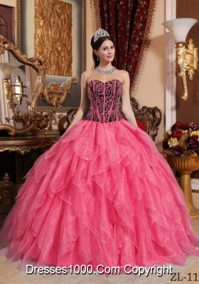 2014 Coral Red Puffy Sweetheart Embroidery and Beading Quinceanera Dress with Ruffles