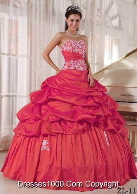 2014 Red Puffy Sweetheart Quinceanera Dress with Appliques and Ruching