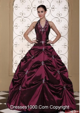 2014 Romantic Halter Top Puffy Embroidery Quinceanera Dresses With Beading
