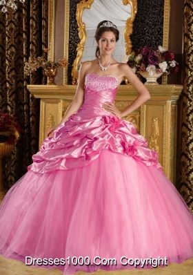 Rose Pink Princess Quinceanera Gowns with Beading and Pick-ups