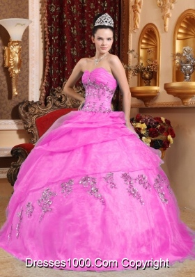 Pink Puffy Sweetheart Organza Sweet Sixteen Dresses with Beading