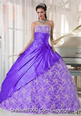 Purple Strapless Lace Discount Quinceanera Gowns with Flowers