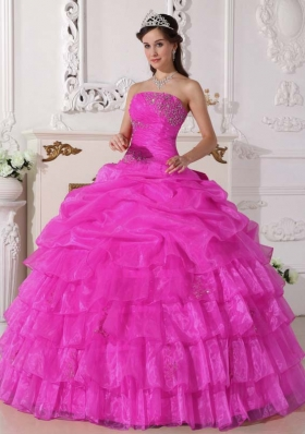 Cheap Pink Ball Gown Strapless Quinceanera Dress with Organza Appliques