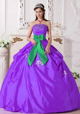 2014 Purple Ball Gown Strapless Beading Quinceanera Dress with Sash