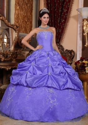 Purple Ball Gown Strapless Beading and Pick-ups Quinceanera Dresses Gowns