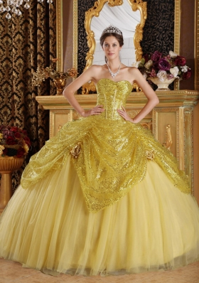 2014 Gold Puffy Sweetheart Sequines Quinceanera Dress with Handle Flowers