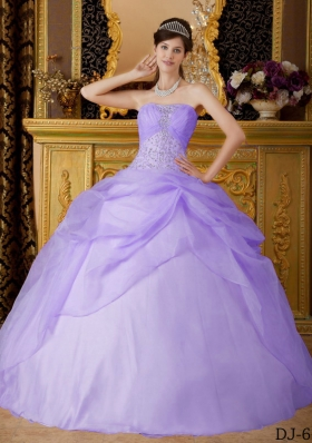2014 Exclusive Quinceanera Dresses in Lavender Ball Gown Strapless with Beading
