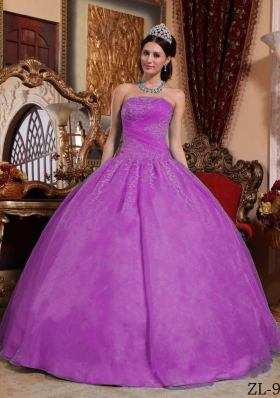 Strapless Fuchsia Organza Quinceanera Dress with Lace Appliques