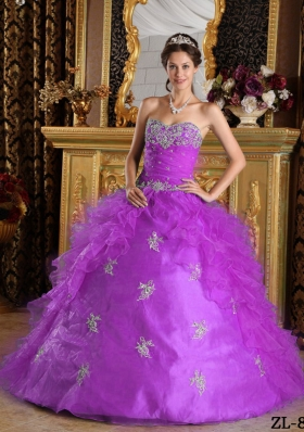 Sweetheart Organza Quinceanera Dress with White Appliques and Ruffles