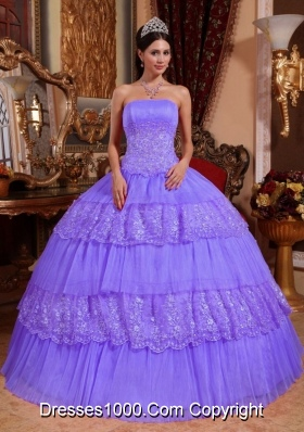 Ball Gown Strapless Organza Puffy Quinceanera Gowns with Lace Appliques