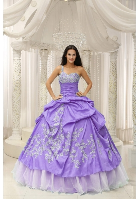 One Shoulder Appliques Decorate Quinceanera Dress With Organza