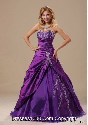 Sweetheart Quinceanera Dresses with Appliques Decorate Bust Ruched Bodice