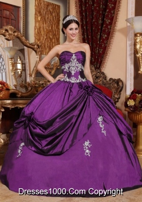 Eggplant Purple Sweetheart Dresses For Quinceaneras with Pick-ups and Appliques