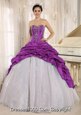 Luxurious Quinceanera Dress With Embroidery Sweetheart Pick-ups for 2014