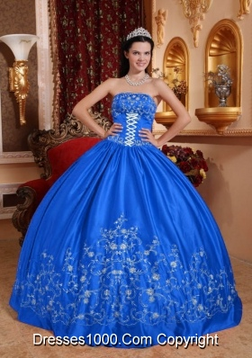 2014 Blue Puffy Strapless Embroidery Quinceanera Dress with Bow