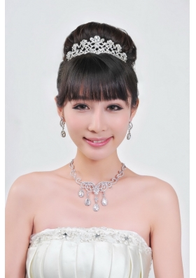 Gorgeous Alloy With Rhinestone Ladies' Necklace and Head piece