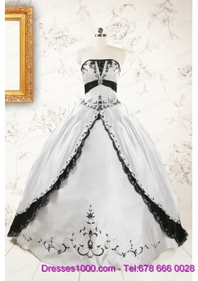 2015 Customize Embroidery White and Black Quinceanera Dresses