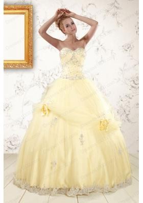 2015 Fashionable Beading Light Yellow Quinceanera Dresses