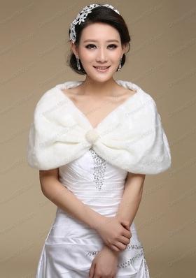 2015 Luxurious Faux Fur Wraps in White