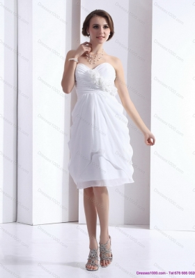 2015 Short Sweetheart White Prom Dress with Hand Made Flowers and Ruching