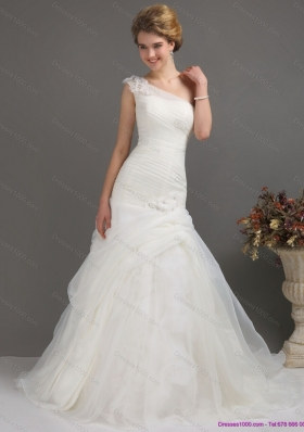 2015 Modest One Shoulder Wedding Dresses with Ruching and Hand Made Flowers