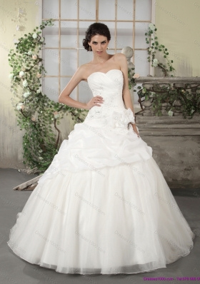 2015 New Style Sweetheart Wedding Dress with Ruching and Appliques