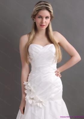 Cheap White Brush Train Sweetheart Ruching Wedding Dresses with Hand Made Flowers