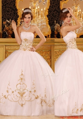 Spring Designer White Strapless Quinceanera Dresses with Appliques