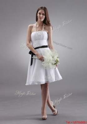Latest White Strapless Sashes Prom Gowns with Knee Length