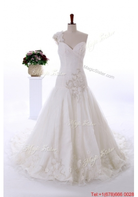 Great Wonderful Appliques and Hand Made Flowers Court Train Wedding Gowns