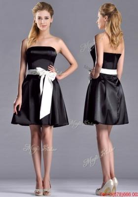 Romantic A Line Strapless White Be-ribboned Short Prom Dress in Black