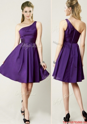 2016 Beautiful One Shoulder Purple Short Dama Dresses for Summer