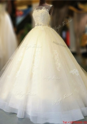 Low Price Open Back Court Train Wedding Dress with Appliques and Bowknot