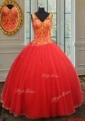 New Style Ball Gown V Neck Rust Red Sweet 16 Dress with Beaded Appliques