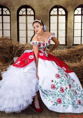 2017 Wild West Elegant Off The Shoulder Organza Quinceanera Dress with Embroidery and Ruffled Layers
