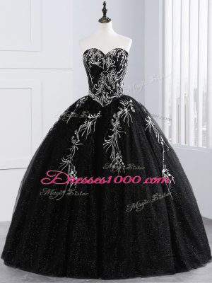 Sexy Sleeveless Floor Length Embroidery Lace Up Quince Ball Gowns with Black
