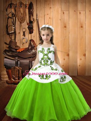 Sleeveless Embroidery Lace Up Little Girls Pageant Gowns