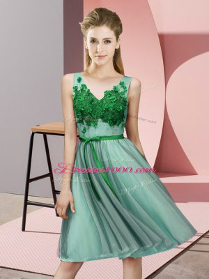 Apple Green Empire Tulle V-neck Sleeveless Appliques Knee Length Lace Up Court Dresses for Sweet 16