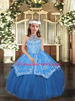 Fashionable Sleeveless Lace Up Floor Length Embroidery Little Girls Pageant Gowns