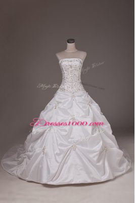 Inexpensive Brush Train Ball Gowns Wedding Gown White Strapless Taffeta Sleeveless Lace Up