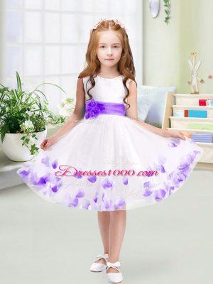 Sleeveless Knee Length Appliques and Belt Zipper Flower Girl Dress with White