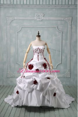 Sleeveless Embroidery and Pick Ups and Hand Made Flower Lace Up Wedding Gown with White Brush Train